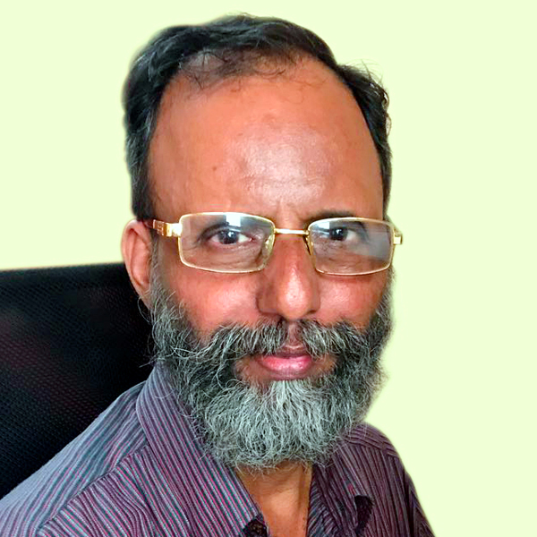 Quizmaster Vincent Augustine D'Souza